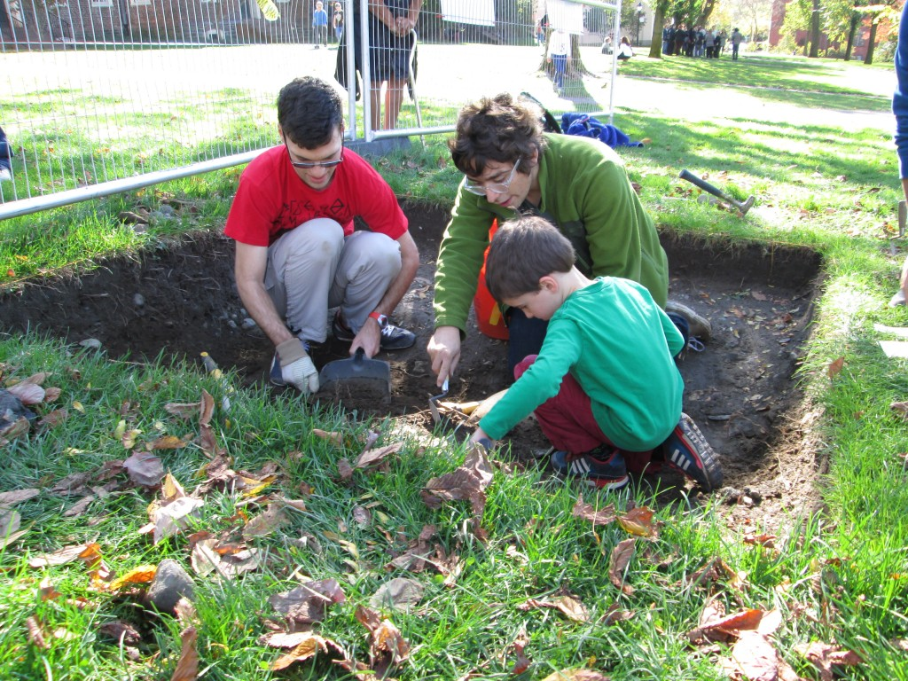 Raff and myself instructing another future archaeologist in QG6
