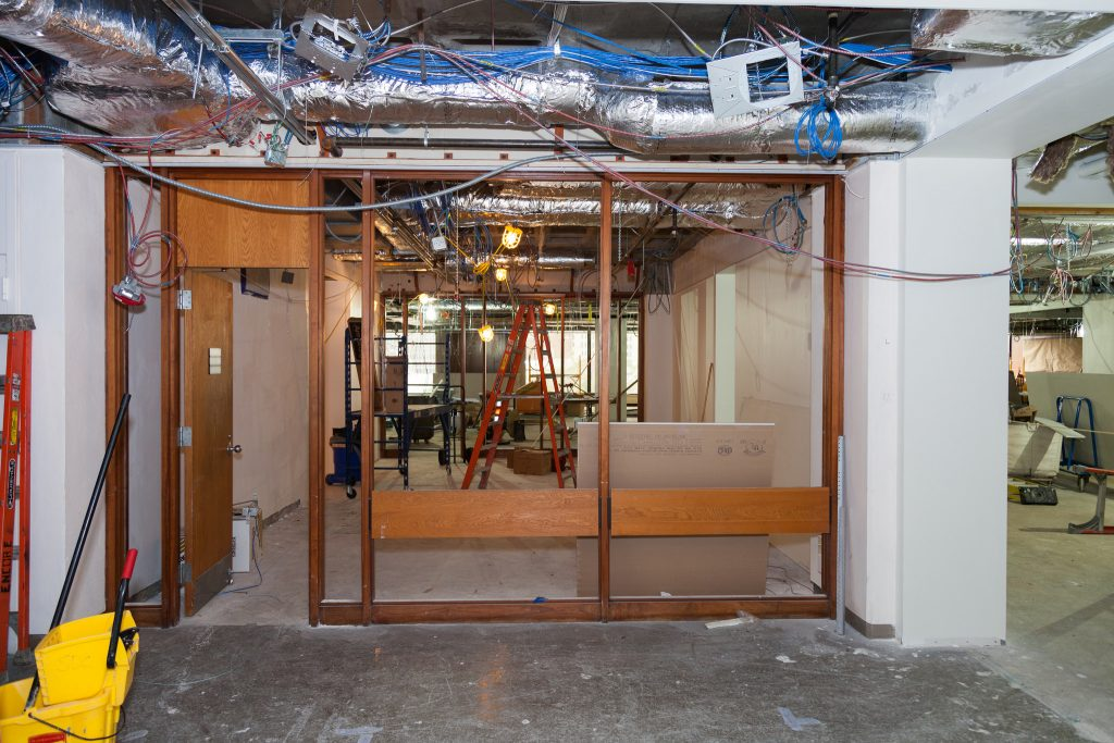 GradCtrConstruction_glassdoors